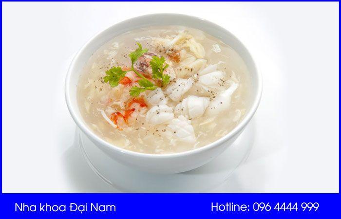 nên ăn cháo, súp và các loại thức ăn mềm sau khi niềng