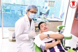 diễn viên quang minh làm răng tại nha khoa đại nam