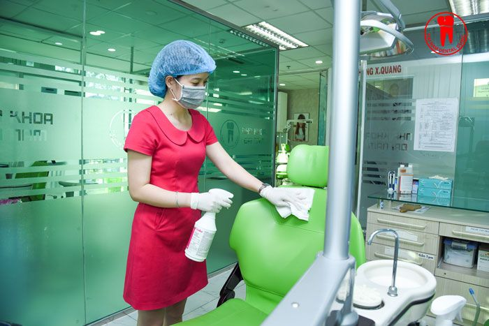Phòng điều trị thường xuyên được vệ sinh sát khuẩn