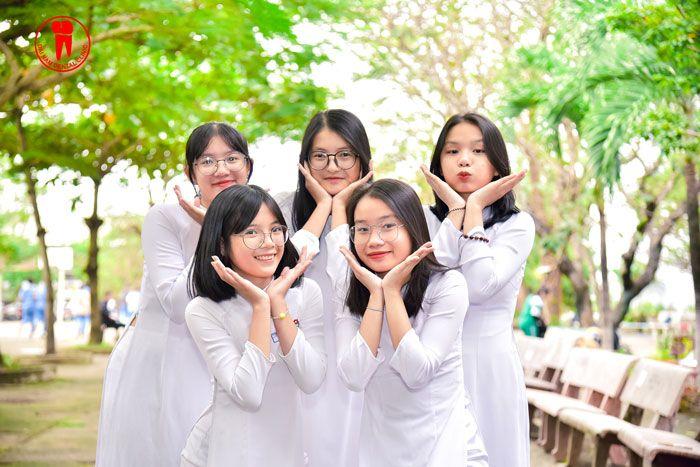 Các bạn học sinh trường THPT Ngô Quyền