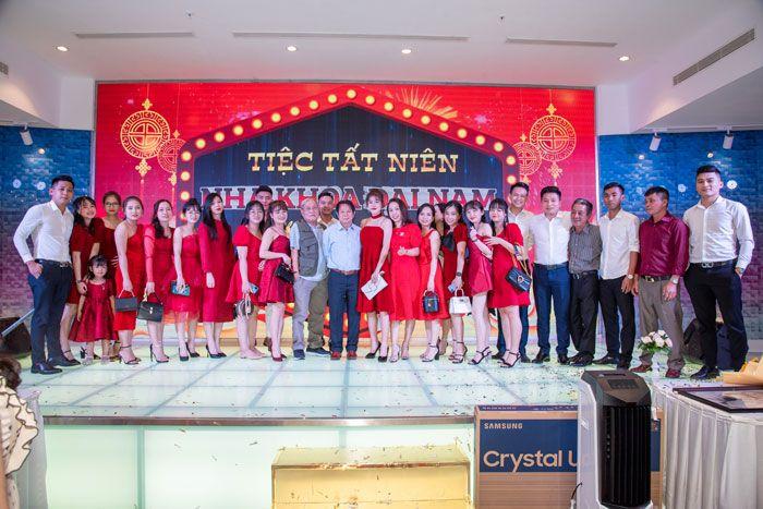 BS Trung chụp với chi nhánh Đà Nẵng