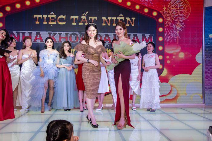 Thí sinh Đỗ Thị Lý cũng xuất sắc giành giải thí sinh có trang phục ấn tượng