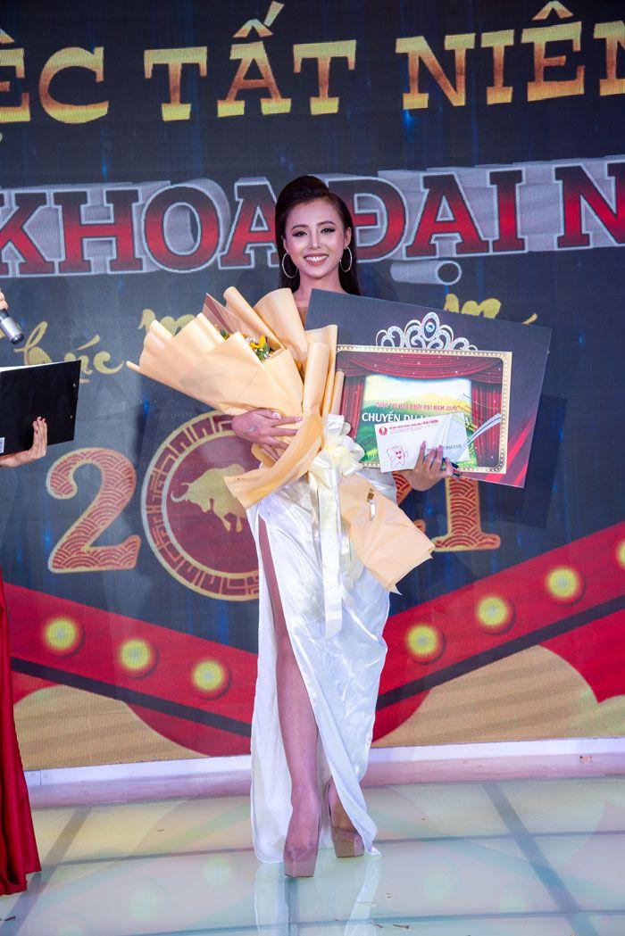 Thí sinh Hà Nguyễn Bảo Ngân đến từ trụ sở chính Nha Khoa Đại Nam xuất sắc nhận được phần thưởng cao nhất trong cuộc thi