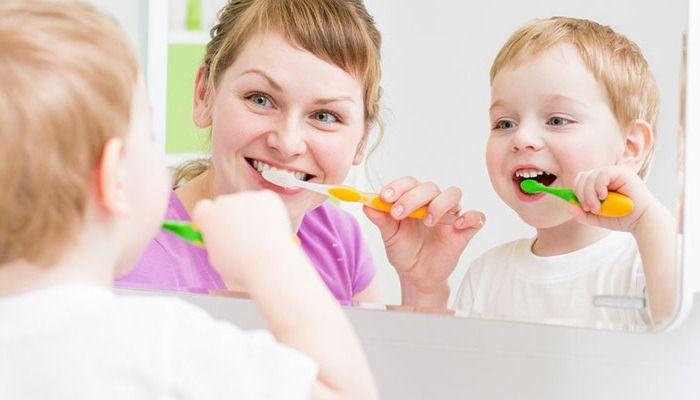 chọn kem đánh răng phù hợp cho bé