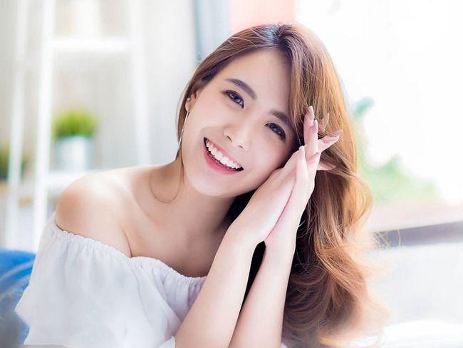 cười hở hàm trên giúp cười đẹp khi móm răng