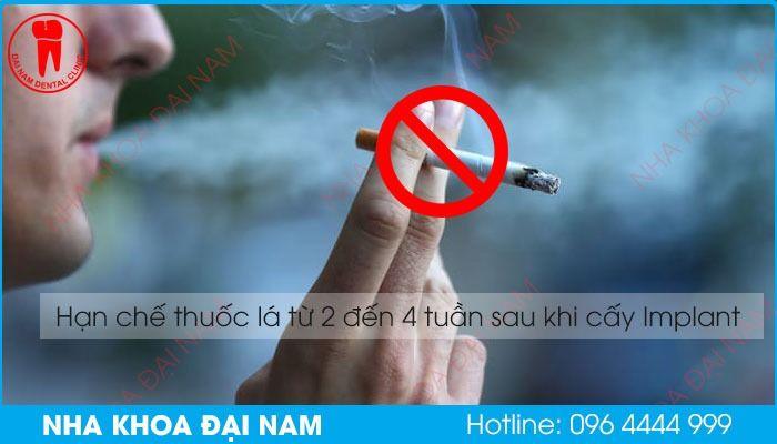 hạn chế hút thuốc lá sau khi cấy ghép răng implant