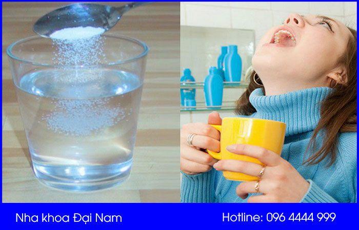 điều trị sưng mộng răng bằng nước muối